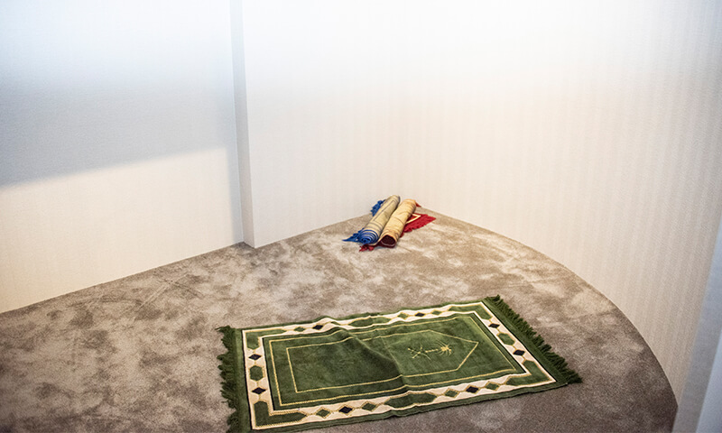 SMALL WORLDS TOKYO 祈祷室